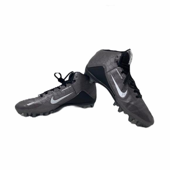 **Men's 7.5 Nike alpha strike 2 football cleats